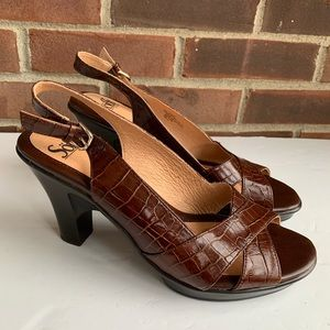 Like new Sofft brown leather sling back sandals